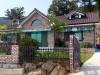 Klinkerhaus mit braunem Dachziegel aus Frankreich