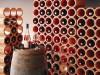 Weinregal aus Weinlagersteinen aus Ton