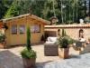 Gartenhaus mit mediterranen Dachziegeln eingedeckt