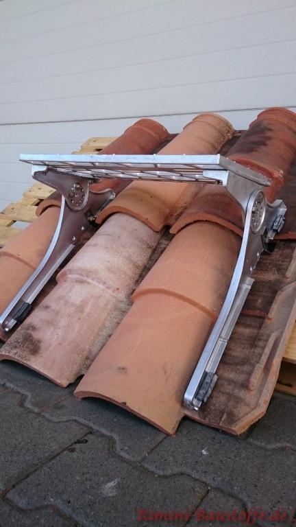 selbst bei für sehr profilierte Ziegel ist das Dachwegesystem geeignet