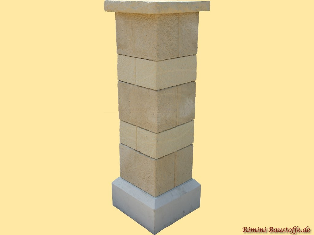 Pfeiler aus Beton in nahezu echter Natursteinoptik
