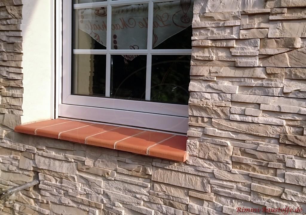 Fensterbank aus Tonelementen
