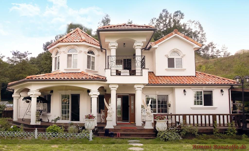 grosse Villa sehr edel gestaltet mit vielen Verzierungen