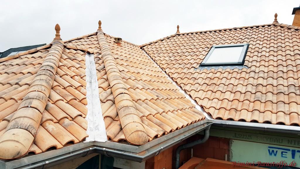 Mediterranes Dach mit Dachziegeln aus Frankreich