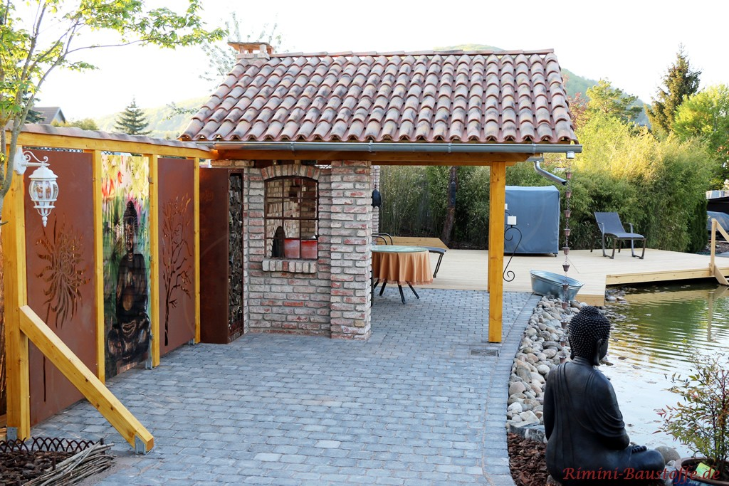 hier wurde der Garten sowohl mit mediterranen und asiatischen Elementen gestaltet