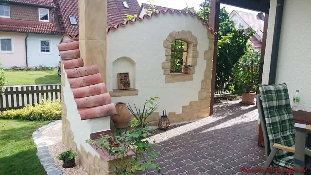 Sichtschutzmauer ueber Eck mediterran gestaltet