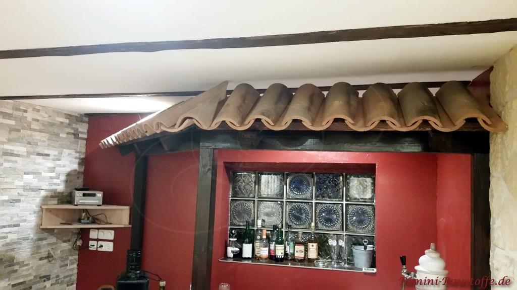 Als Abdeckung ueber einer Bar wurden hier Halbschalen verwendet