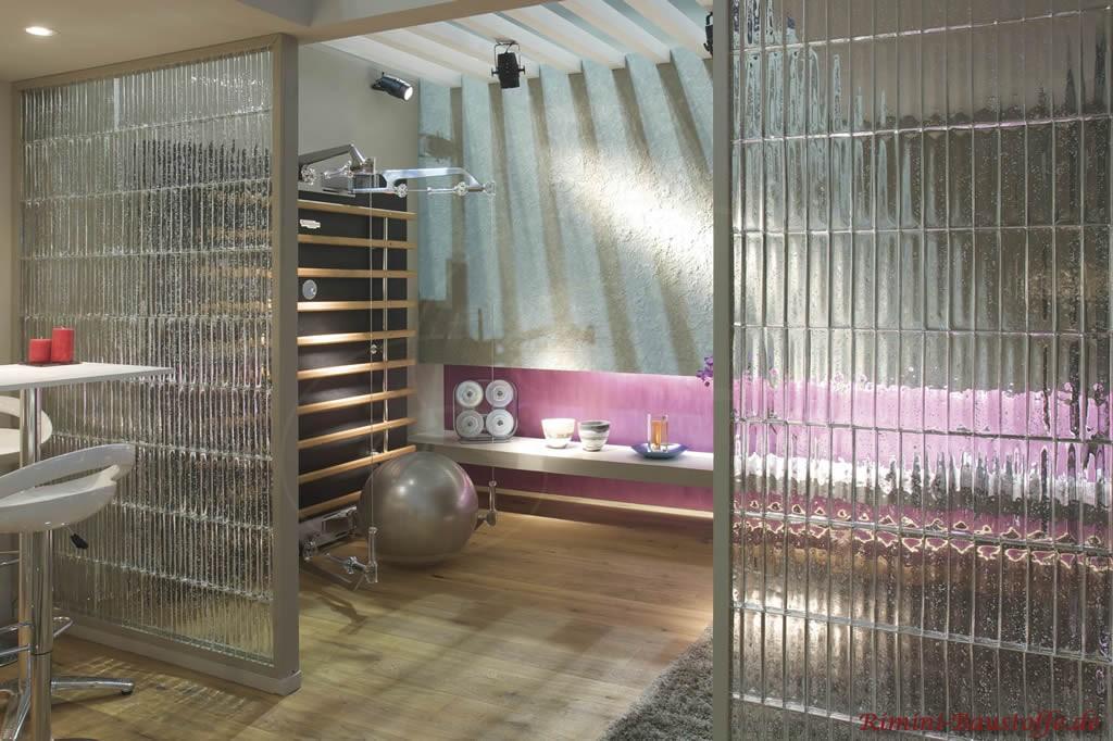 Raumtrennung durch Waende aus Glaselementen