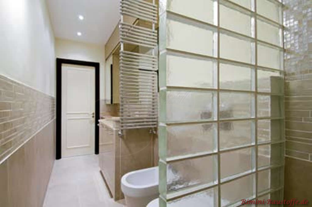 Glasbausteine im Bad als Duschabtrennung