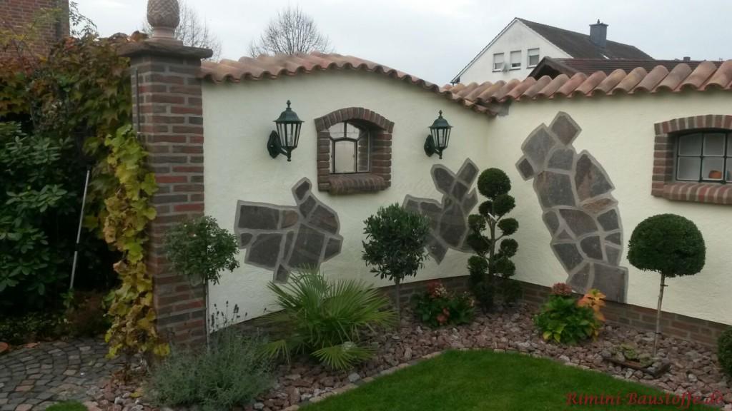 Gartenmauer mit Sockel und Anfangspfeiler