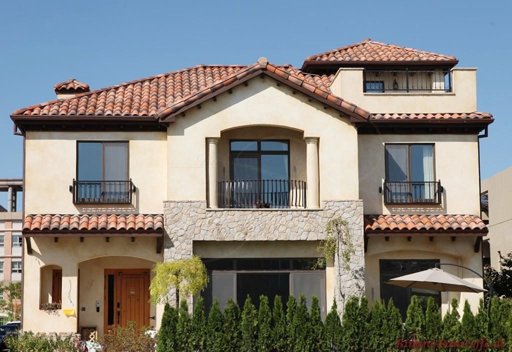 sehr harmonischer Gesamteindruck dieses mediterranen Hauses