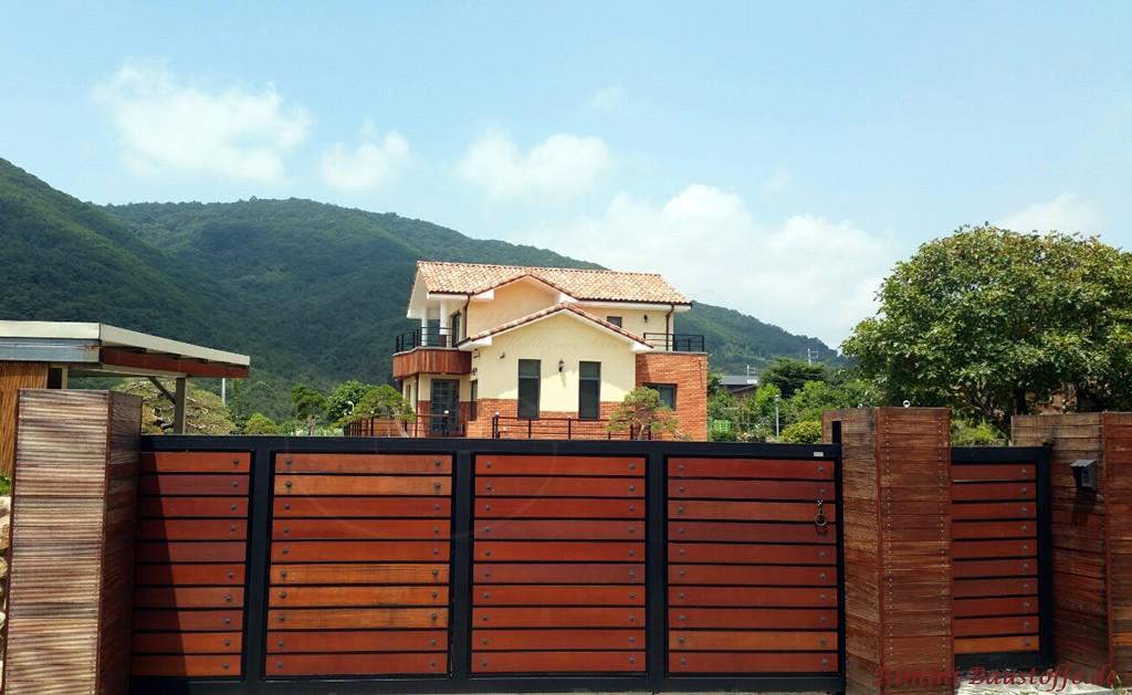 schoene Harmonie zwischen Fassade und Dach