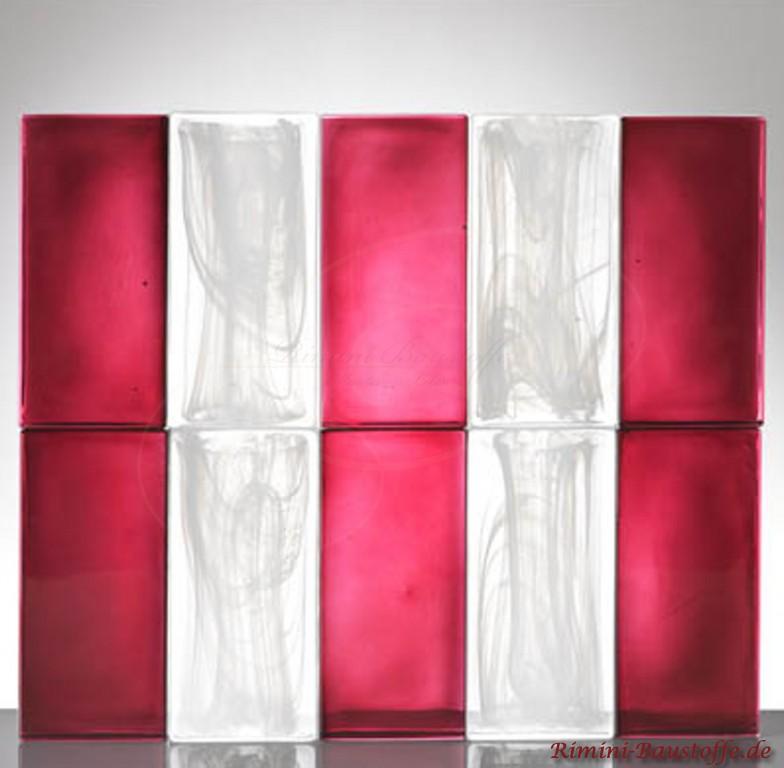 Glasbausteine in Beerenrot und weiss