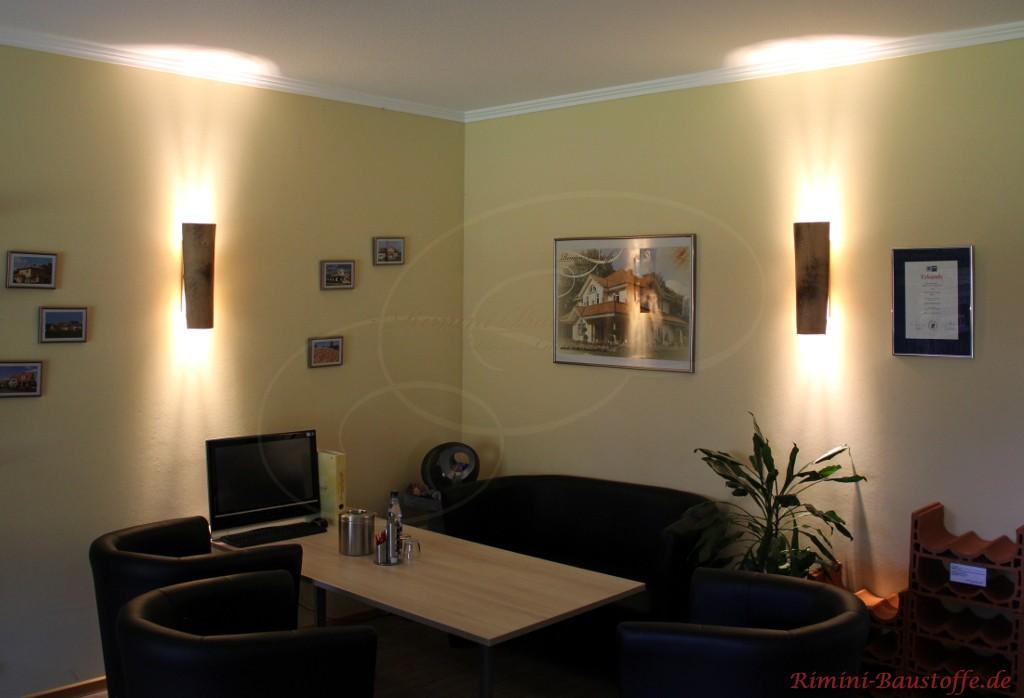 Beratungsraum mit Halbschalenlampen