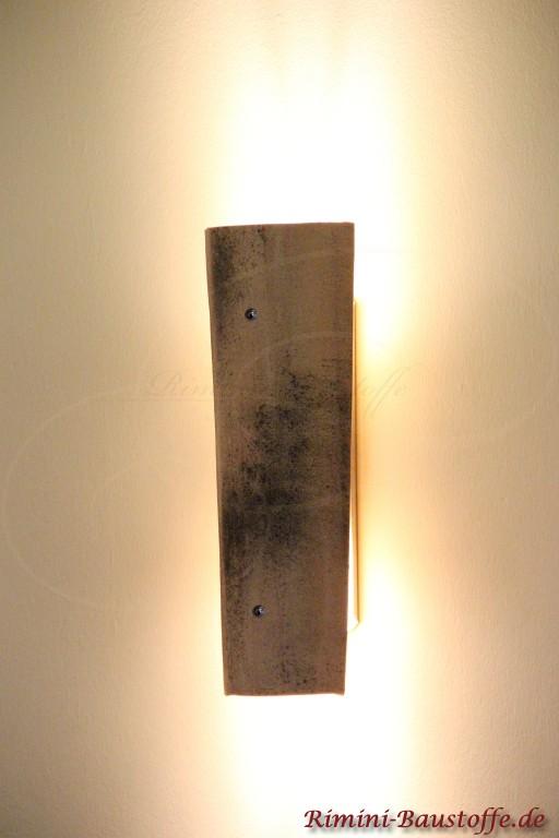 Produktbild der Wandlampe Candela mit Tonhalbschale Farbe Siena Invecchiato
