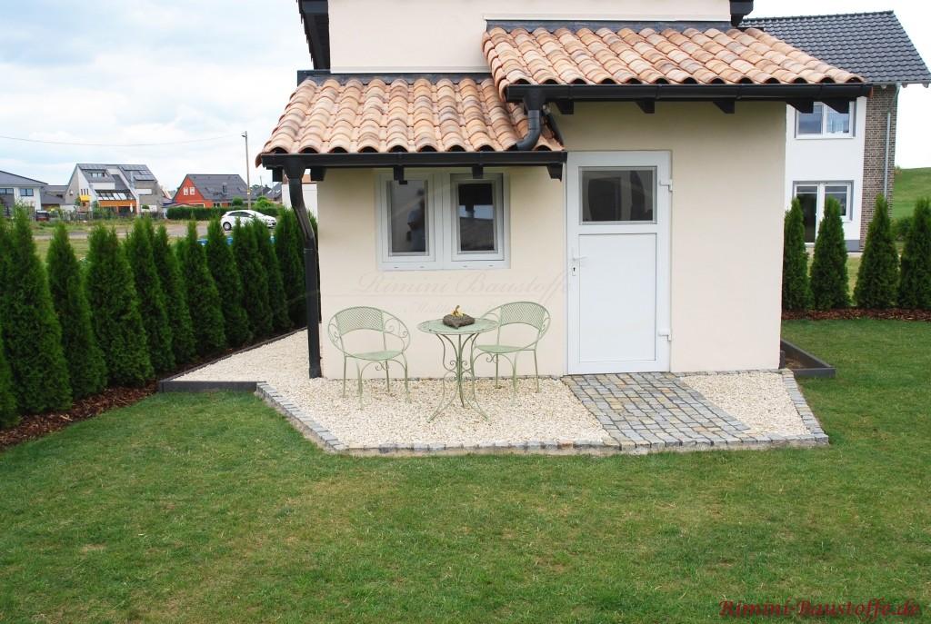 Gartenhaus mediterran gestaltet