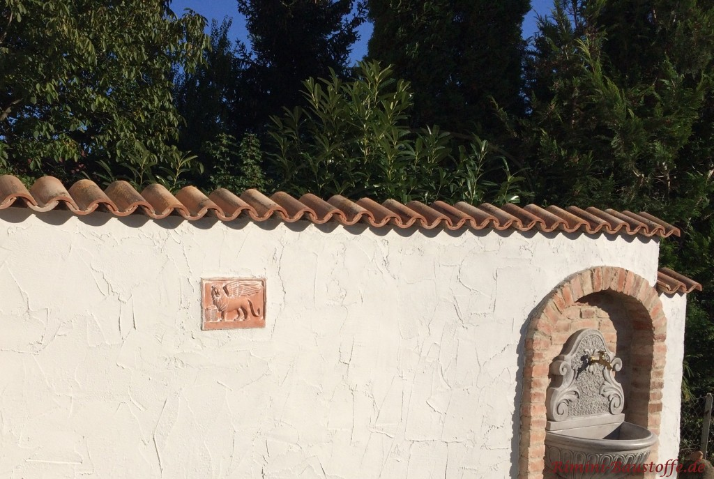 die Details dieser Mauer erwecken besonderen Charme