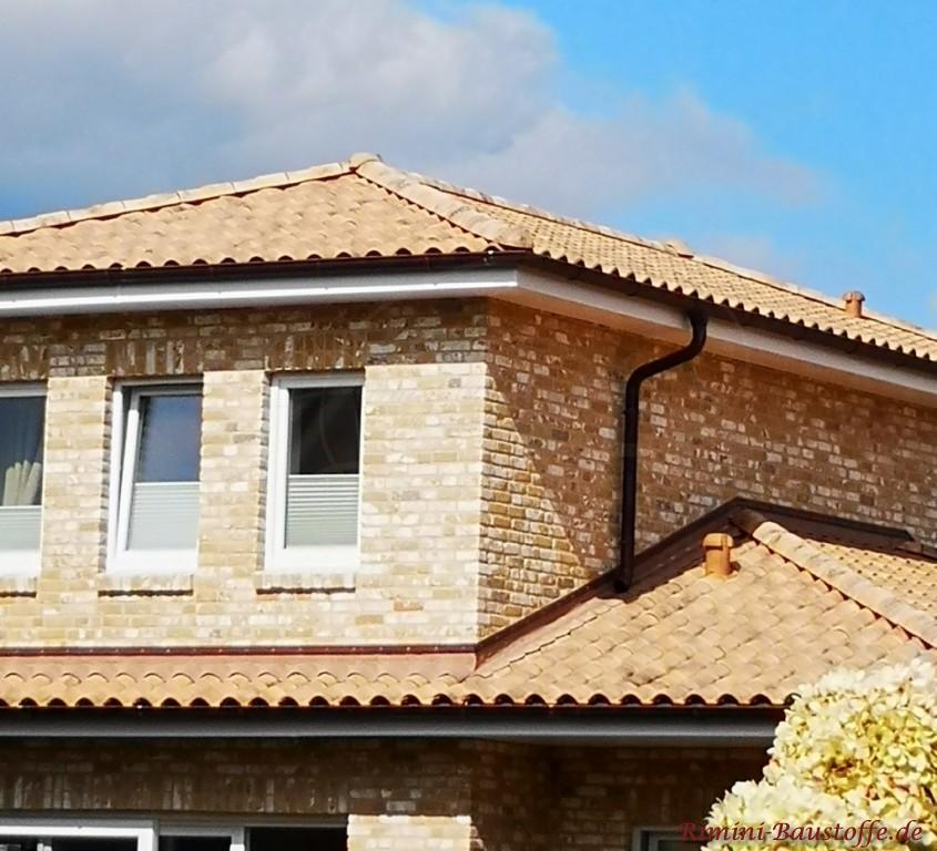 mediterraner Klinker und passendes Dach
