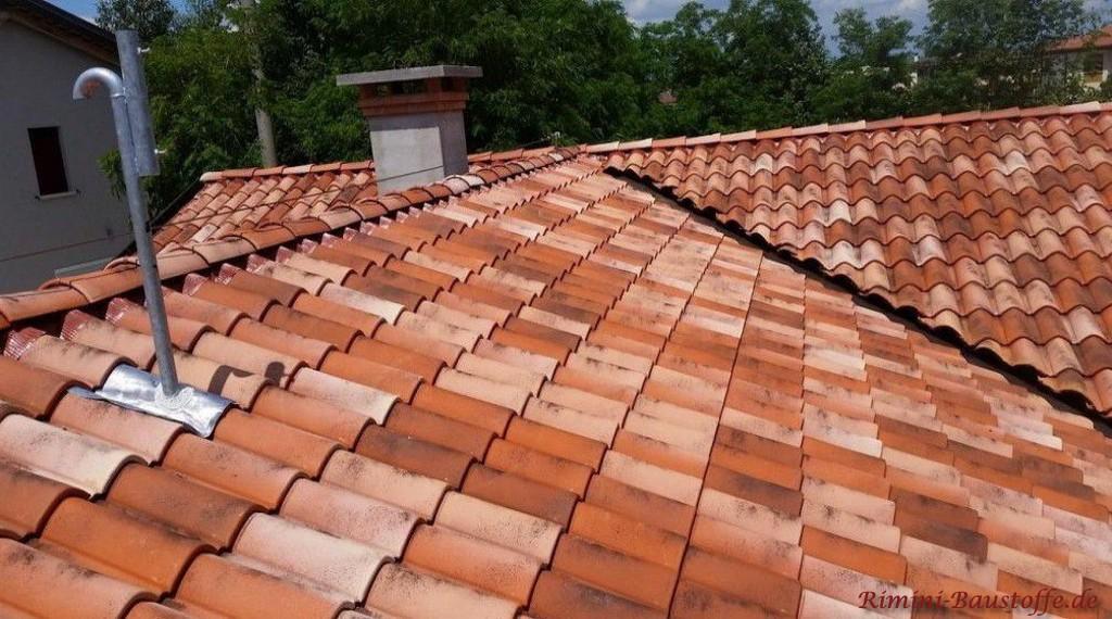 rotbunter Dachziegel mediterran