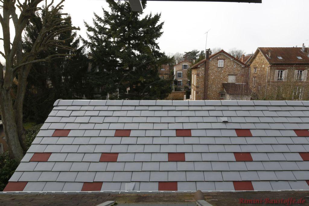 Dacheindeckung mit Glattziegeln aus Frankreich