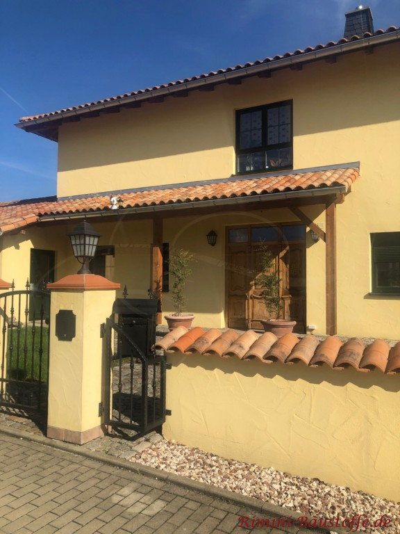mediterranes Einfamilienhaus doppelgeschossig