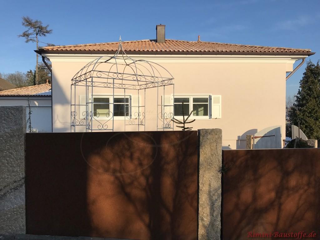 mediterrane Stadtvilla mit passendem Dachziegel