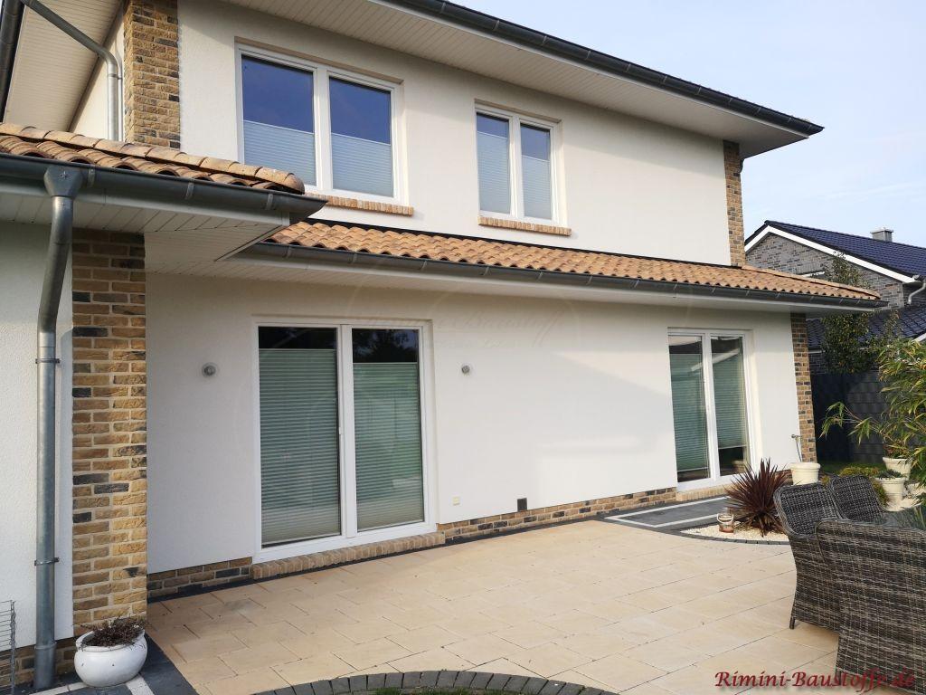 Terrassenansicht Einfamilienhaus mediterran