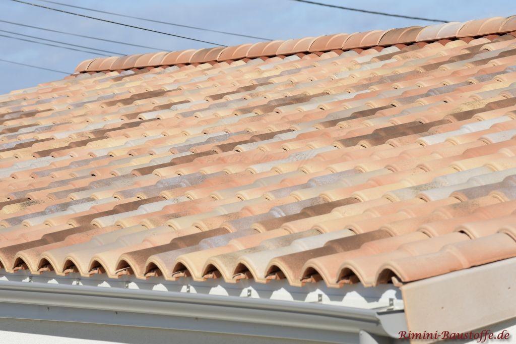 Doppeloptik Ziegel auf einem Satteldach