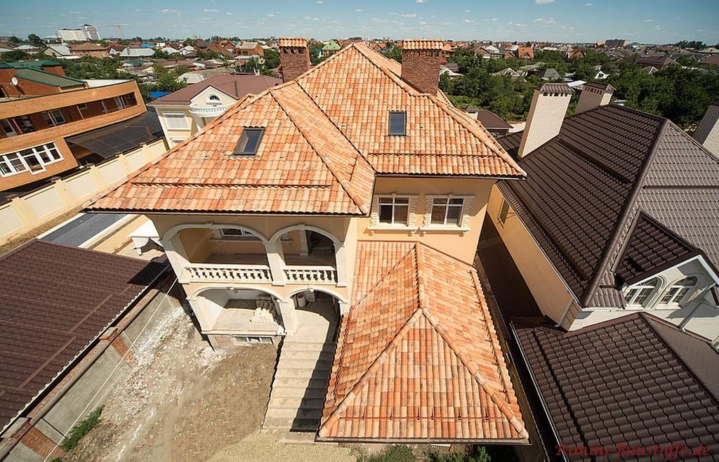 grosse mediterrane Villa mitten in der Stadt