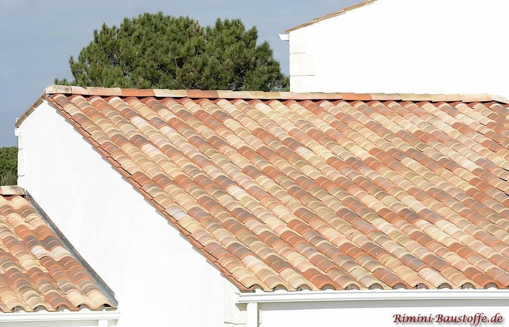 wunderschoener rot rose changierender Dachziegel mit Doppeloptik