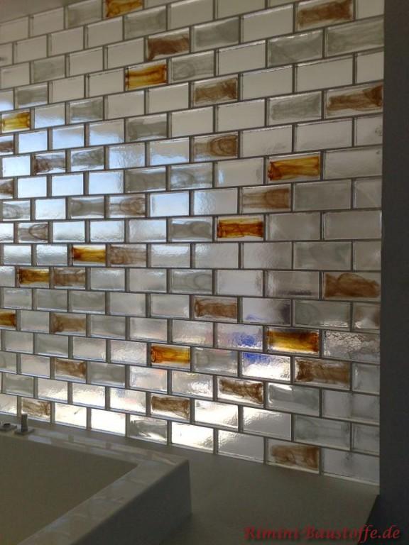 Raumtrenner aus eleganten Glasbausteinen