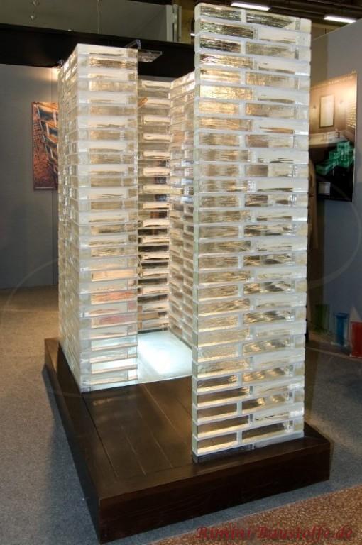 Duschabtrennung aus Glassteinen