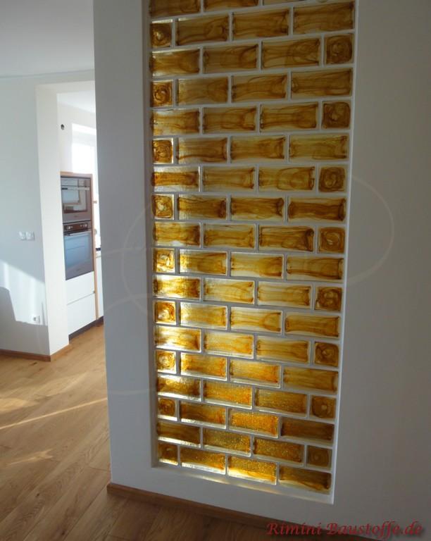 Glassteine in der Wand integriert