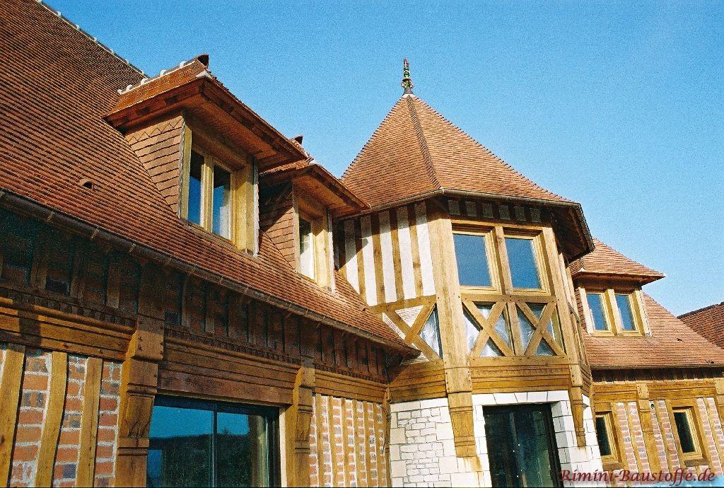 Nordfranzösische Haus mit Fachwerk und Runddach