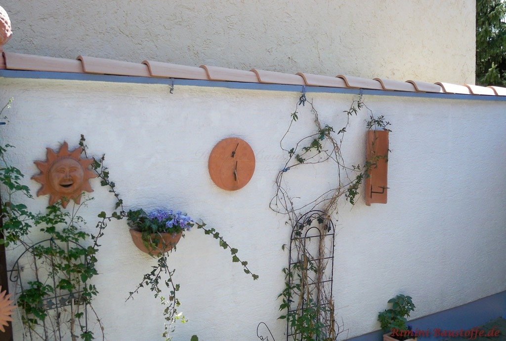 Abdeckung und Wanddekoration aus mediterranen Halbschalen