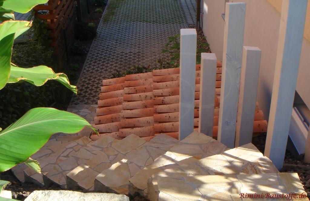 Rustikale Überdachung mit kleinen spanischen Ziegel in verschiedenen Farben
