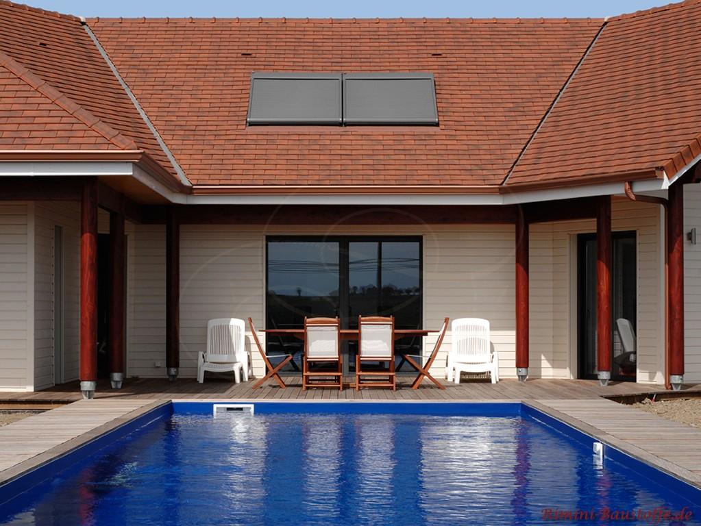 schöne Finka mit Pool im Innenhof