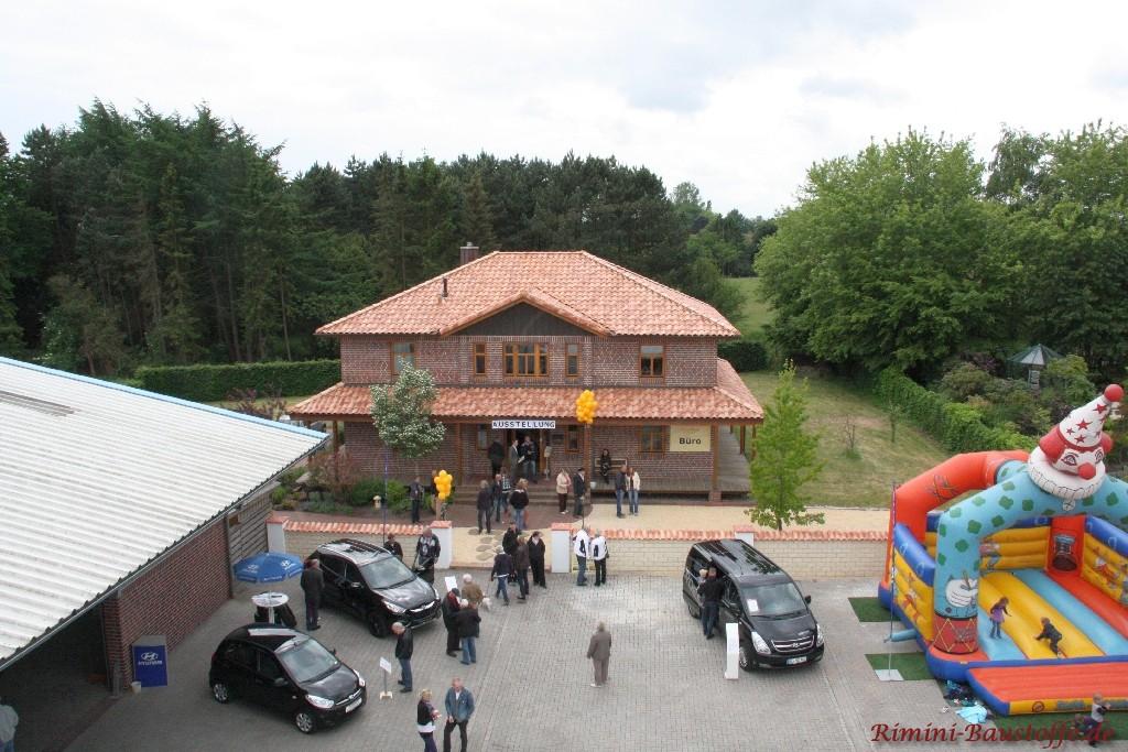 Luftaufnahme von einem Teil des Ausstellungsgeländes
