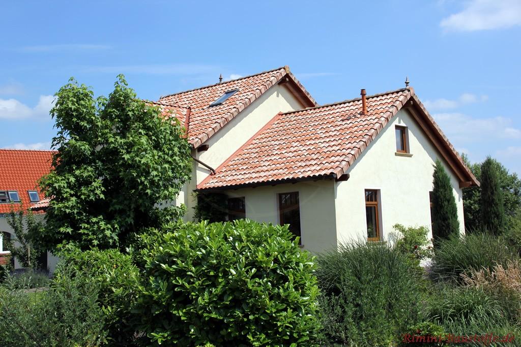 Satteldachhaus im mediterranem Stil
