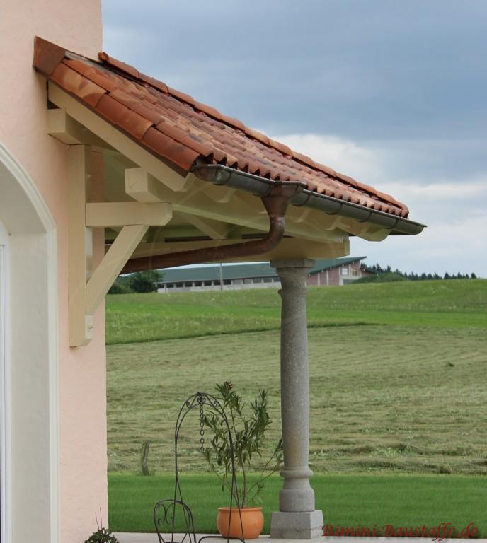 Einfamilienhaus im mediterranen Stil mit kleinem Dachüberstand