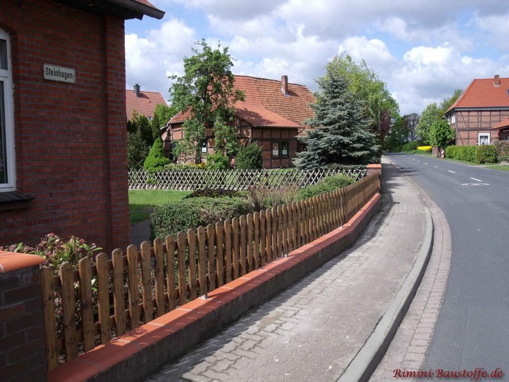 Mauerabdeckung passend zum Holzzaun