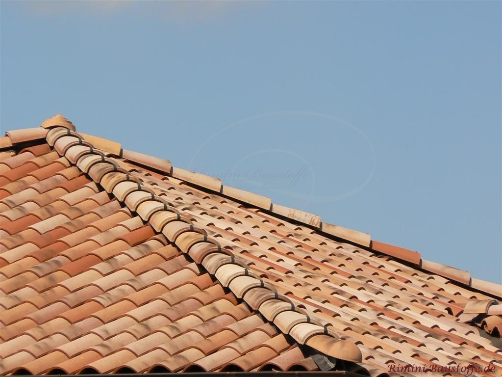 Nahaufnahme eines Zeltdachs in schöner rustikaler Optik