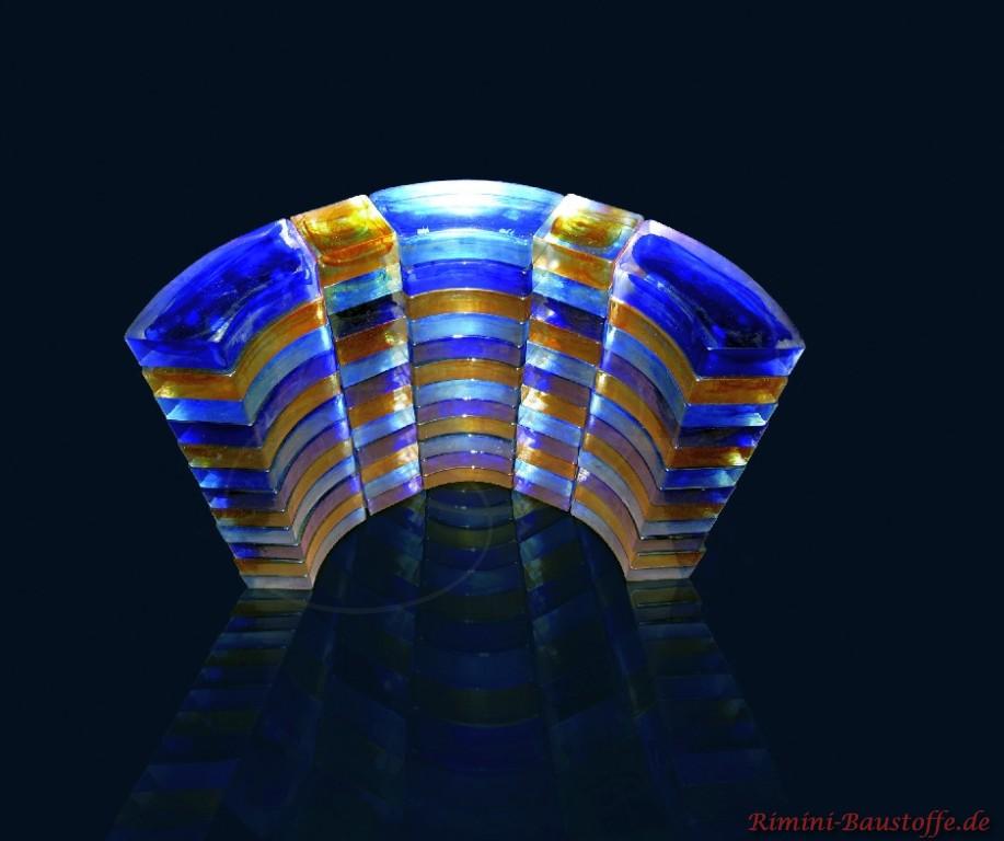 Darstellung eines Halbkreises aus bunten Glaselementen