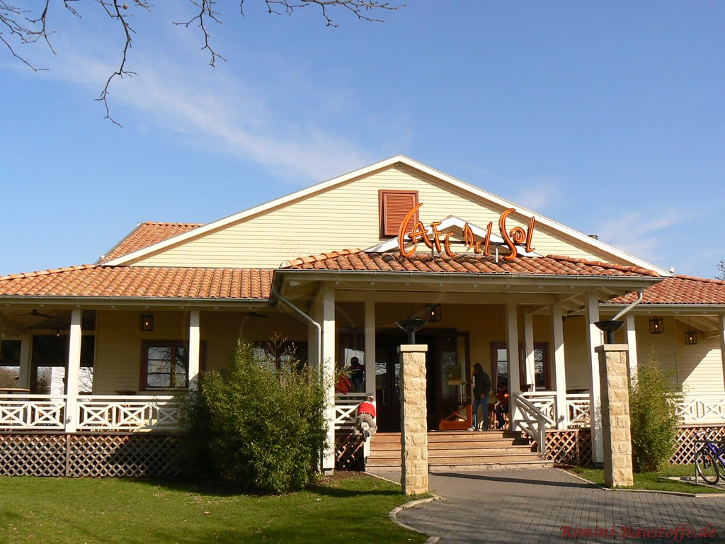 Restaurant im mediterranen Stil mit schönem romanischen Dachziegel