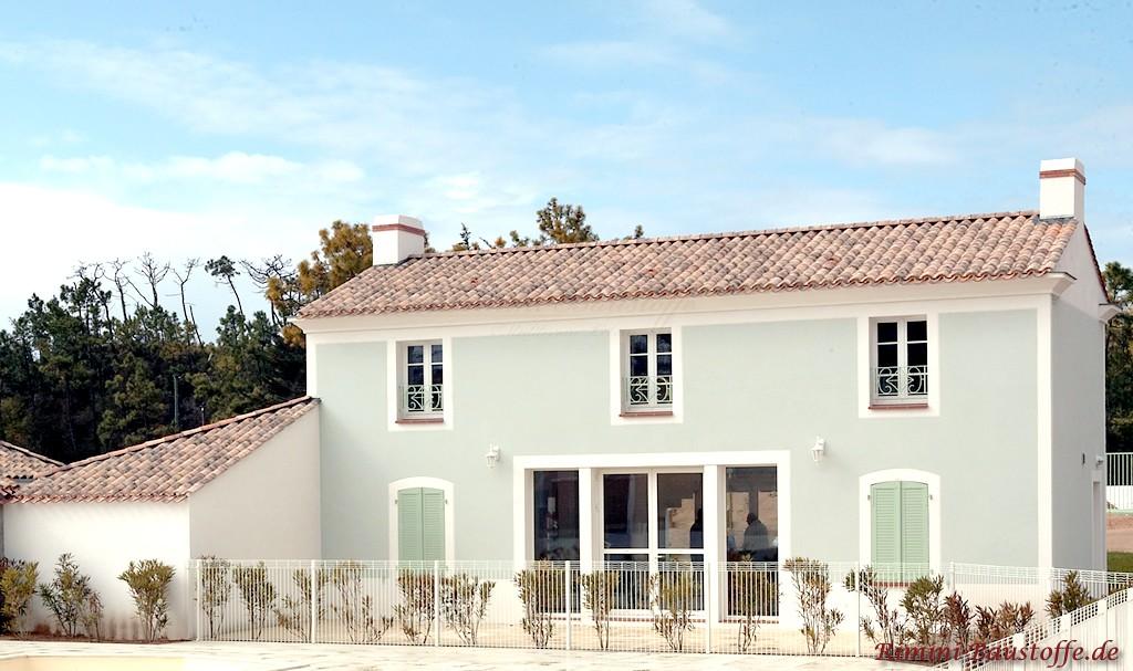 sehr schönes Wohnhaus mit einem Hauch von mediterranen Flair