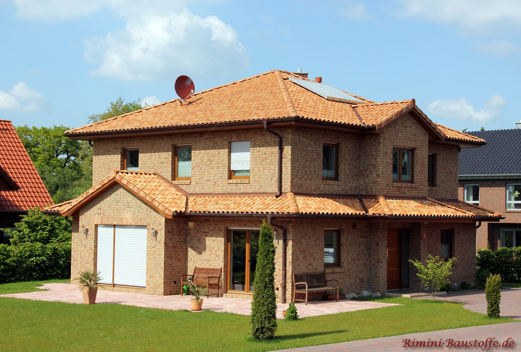 schönes mediterranes Wohnhaus im Norden mit Klinkerfassade