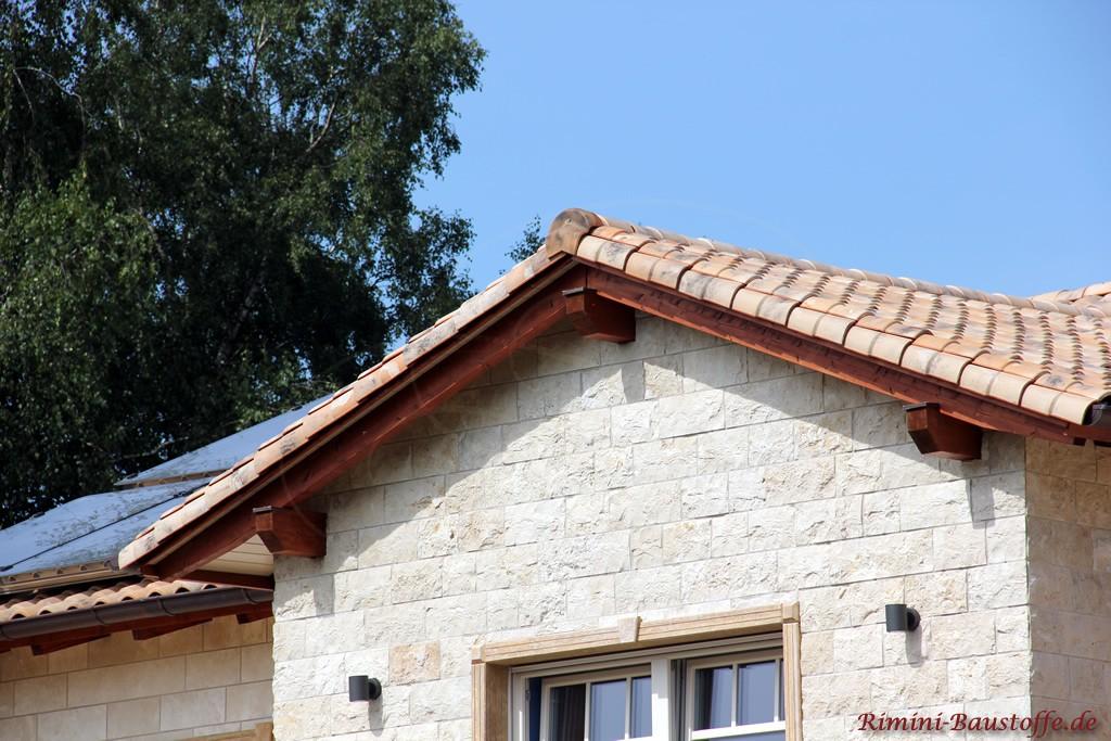 sehr schöner romanischer Dachziegel in alter Optik