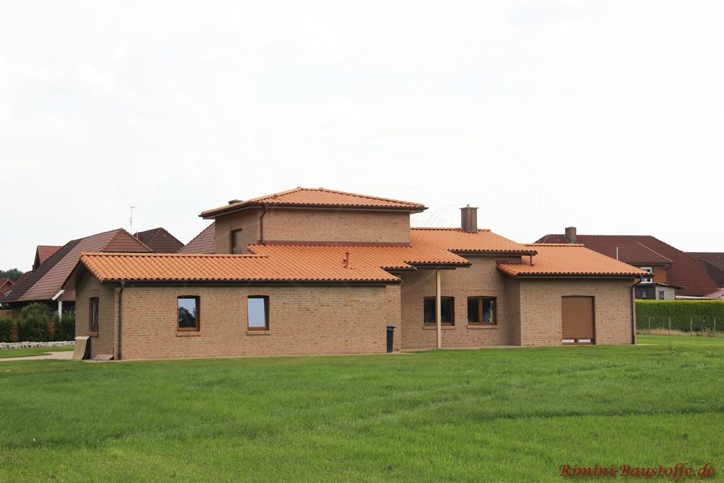 schönes einfamilienhaus, teilweise im Bungalowstil