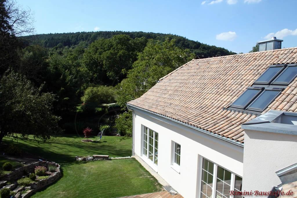 saniertes Wohnhaus im mediterranen Stil mit schönem idyllischen Garten