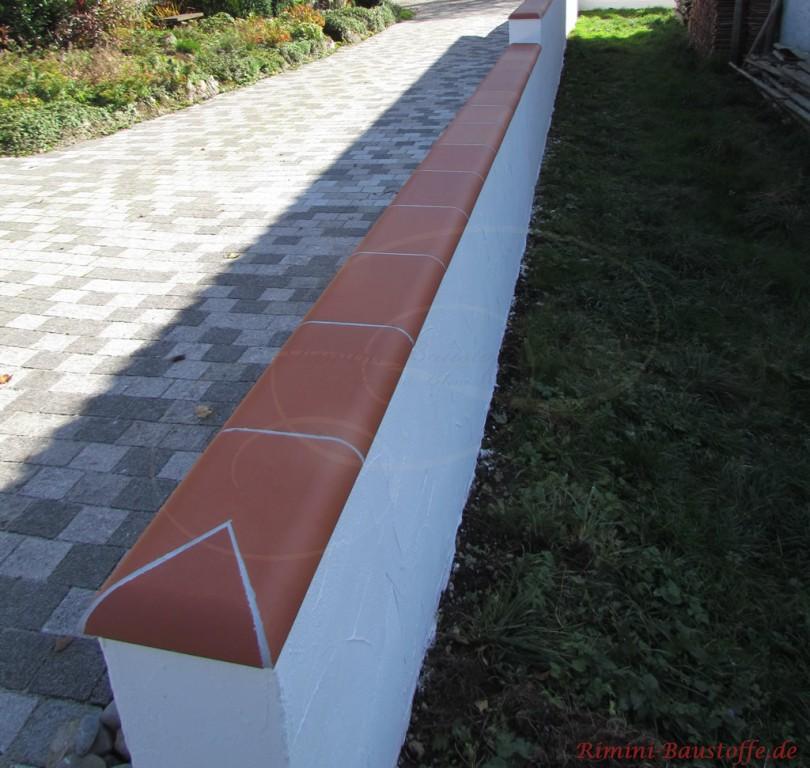 schön zu sehen das selbst ausgeschnittene Endstück der Mauer